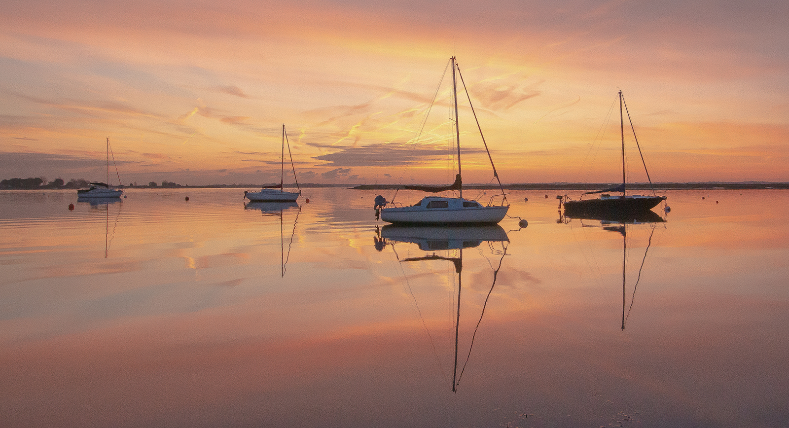 <h5>Heybridge Tranquility at Dawn</h5><p>Trevor Partridge - Beginner																																																	</p>