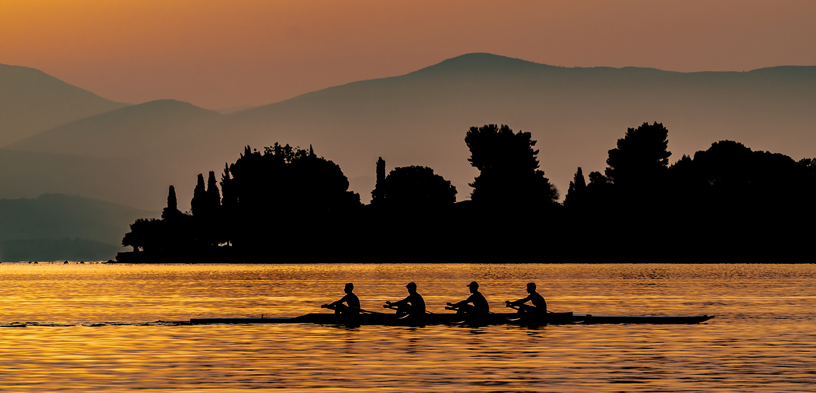 <h5>Coxless Four at Dawn</h5><p>Carol Green - Beginner																																																	</p>