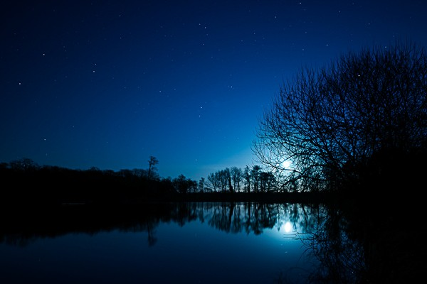 Mark Seton (Moonrise over Hatfield Forest Lake)